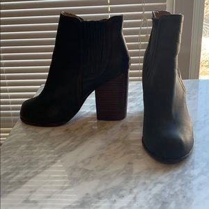Jeffrey Campbell Leather Bootie | Size 9
